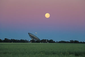 Moon-Dish Moonset 1