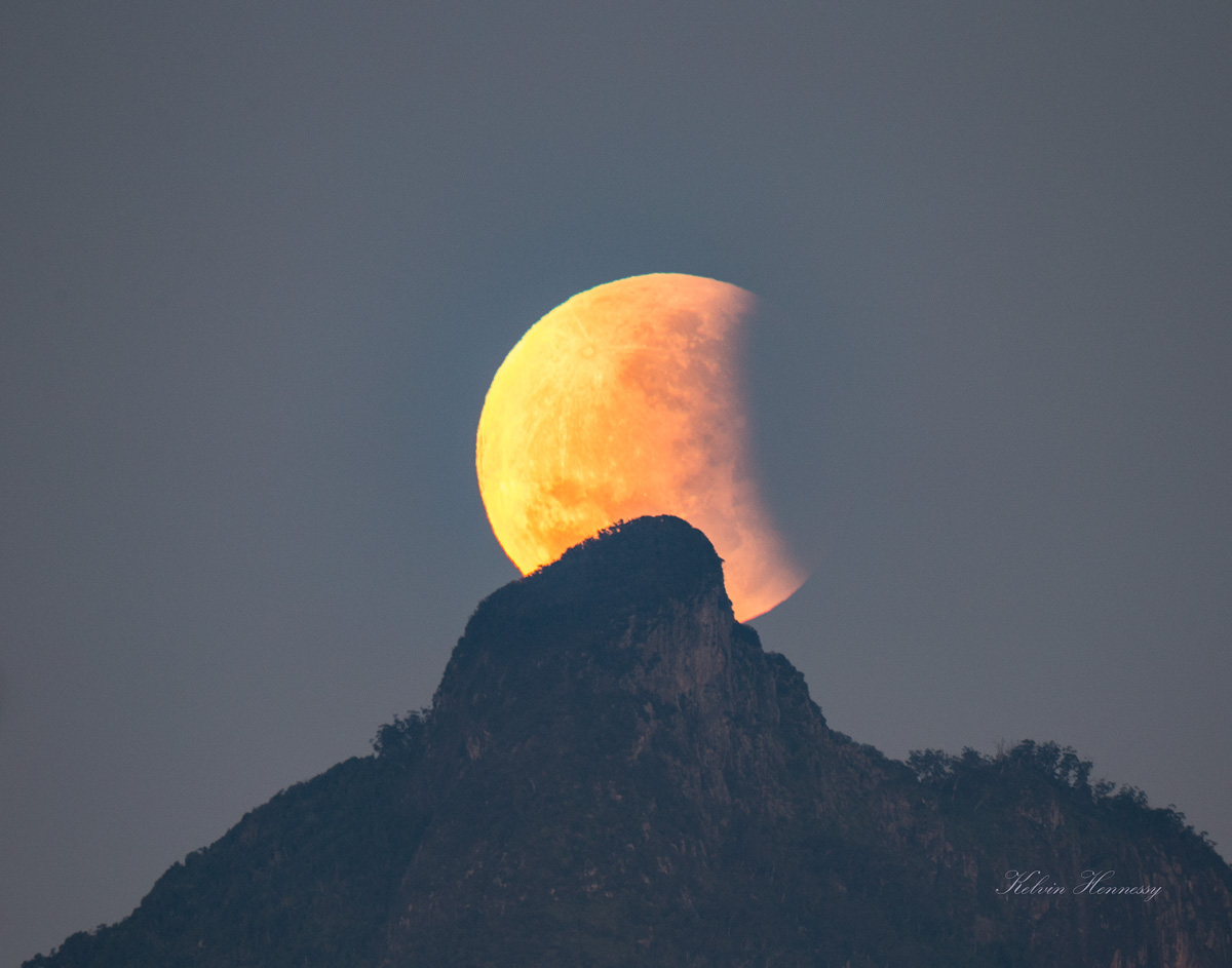 Moon-Mt Warning Eclipse 1