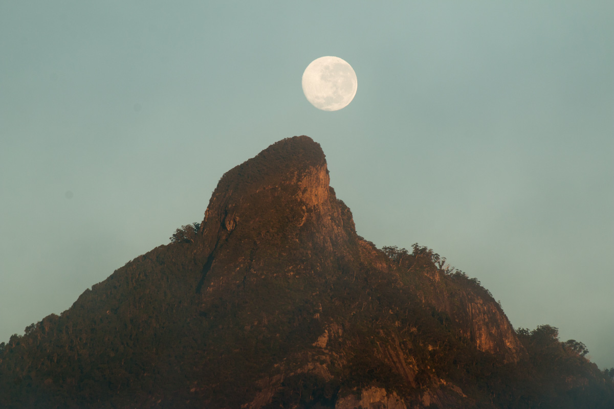 Moon-Mt Warning